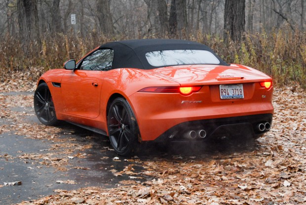 2014_jaguar_f_type-7