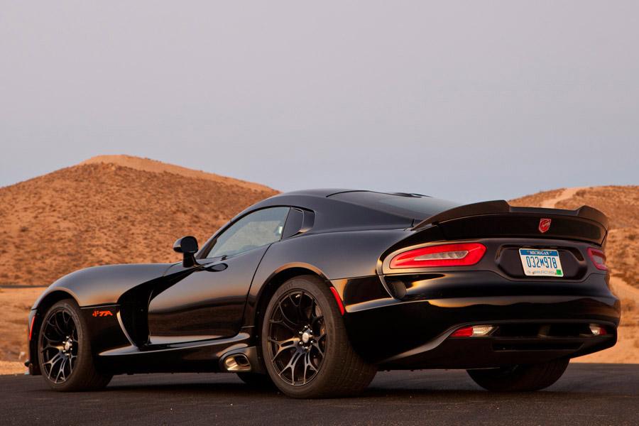 2014 srt viper black