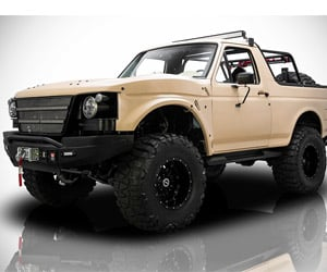 "1991 Ford Bronco ""Project Fearless"" Custom"