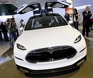 Tesla Model X: AWD Crossover