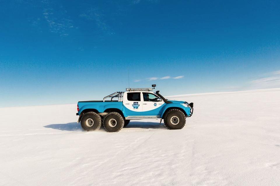 South Coast Acura >> Arctic Trucks Custom Toyota Hilux 6x6 - 95 Octane