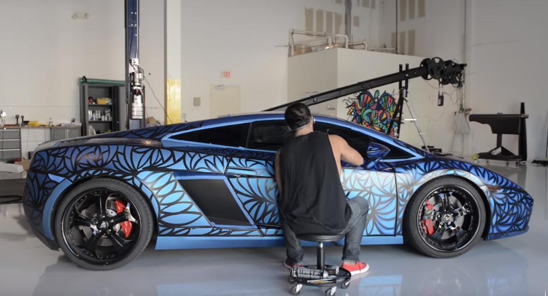 Hand Painting a Lamborghini Gallardo