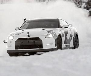 Nissan GT-R Climbs a Ski Slope