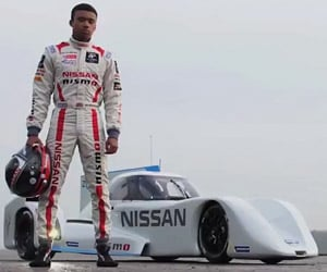 Nissan ZEOD RC Hybrid Le Mans Racer Hits the Track