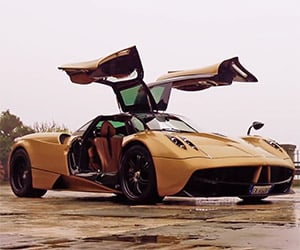 Pagani Huayra: Behind the Wheel