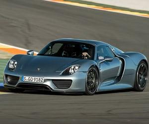 Porsche 918 Spyder Hits the Track
