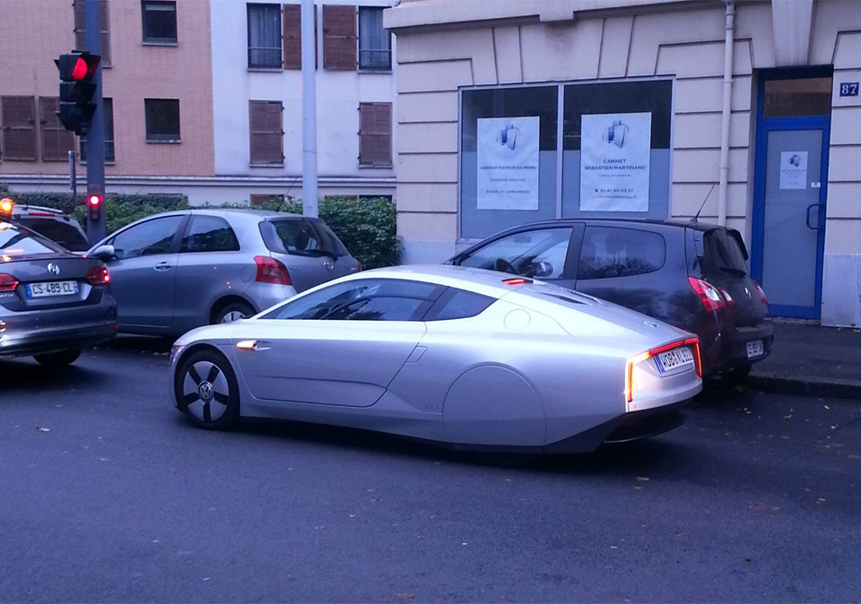 Volkswagen Hybrid XL1 Spotted on the Street
