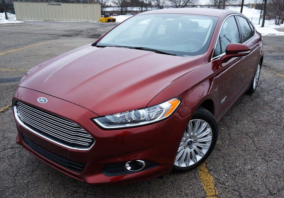 Review: 2014 Ford Fusion Energi SE Plug-in Hybrid