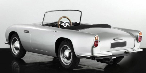 aston_martin_db_convertible_junior_2