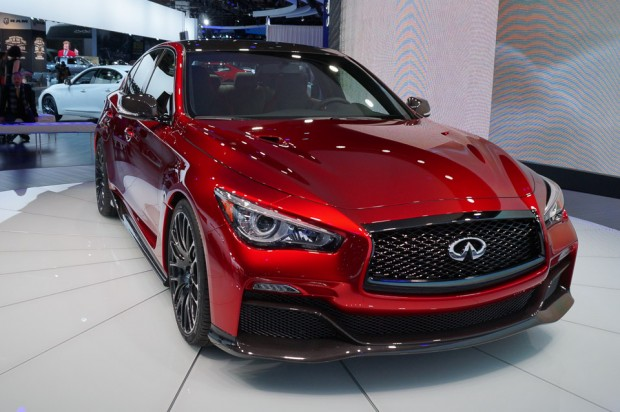 infiniti_q50_eau_rouge_unveil_naias_2014_3