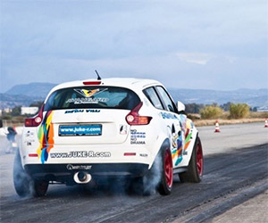 Nissan Juke-R Tears up the Drag Strip in Greece