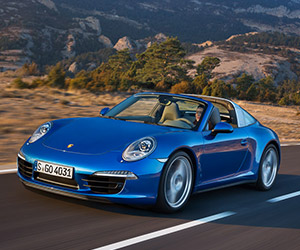 Reborn Porsche 911 Targa Raises the Roof at NAIAS