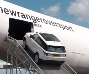 Range Rover Takes a Ride Inside a 747