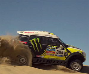 Jay Leno Hoons Through the Dunes in a Dakar MINI
