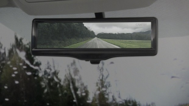 nissan_smart_rearview_mirror_3