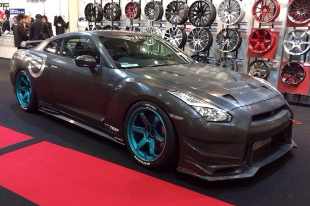 overtake_international_carbon_fiber_nissan_gtr_1