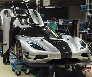Preparing the Koenigsegg One:1 for its Debut
