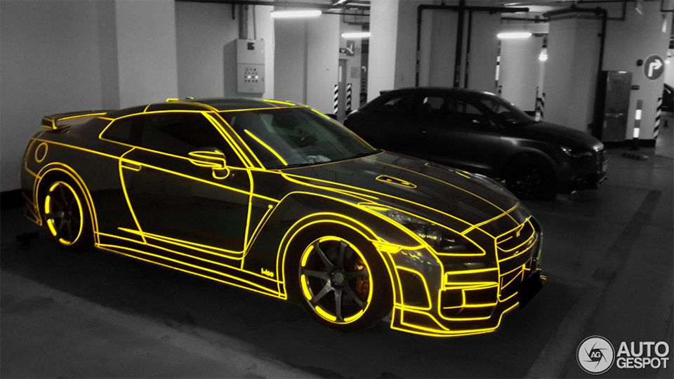 tron nissan gt r lights up the chinese night 95 octane. Black Bedroom Furniture Sets. Home Design Ideas