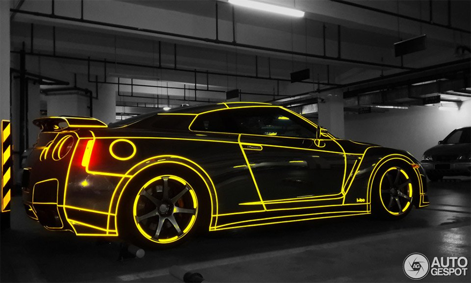 Tron Nissan Gt R Lights Up The Chinese Night 95 Octane