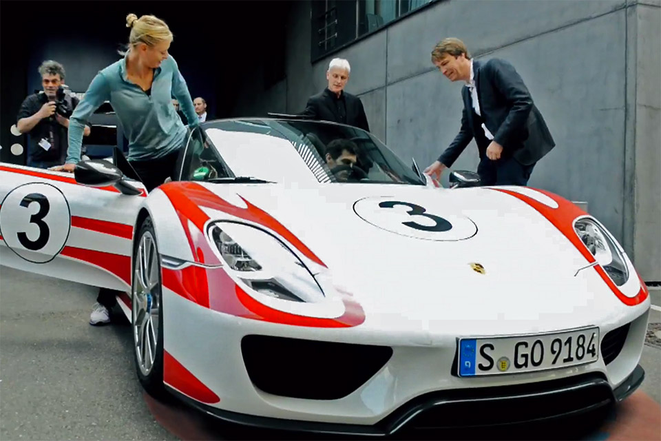 mark webber maria sharapova in a 918 spyder 95 octane. Black Bedroom Furniture Sets. Home Design Ideas