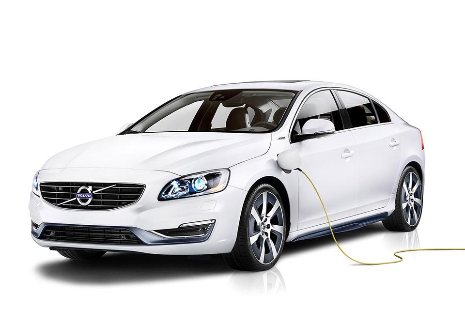 Volvo Unveils S60L Plug-in Hybrid Before Beijing