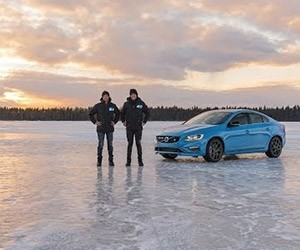 Volvo's V8 Supercar Drivers Take Polestars Onto the Ice