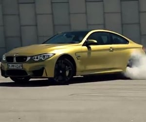 2015 BMW M4 Does a Little Drifting