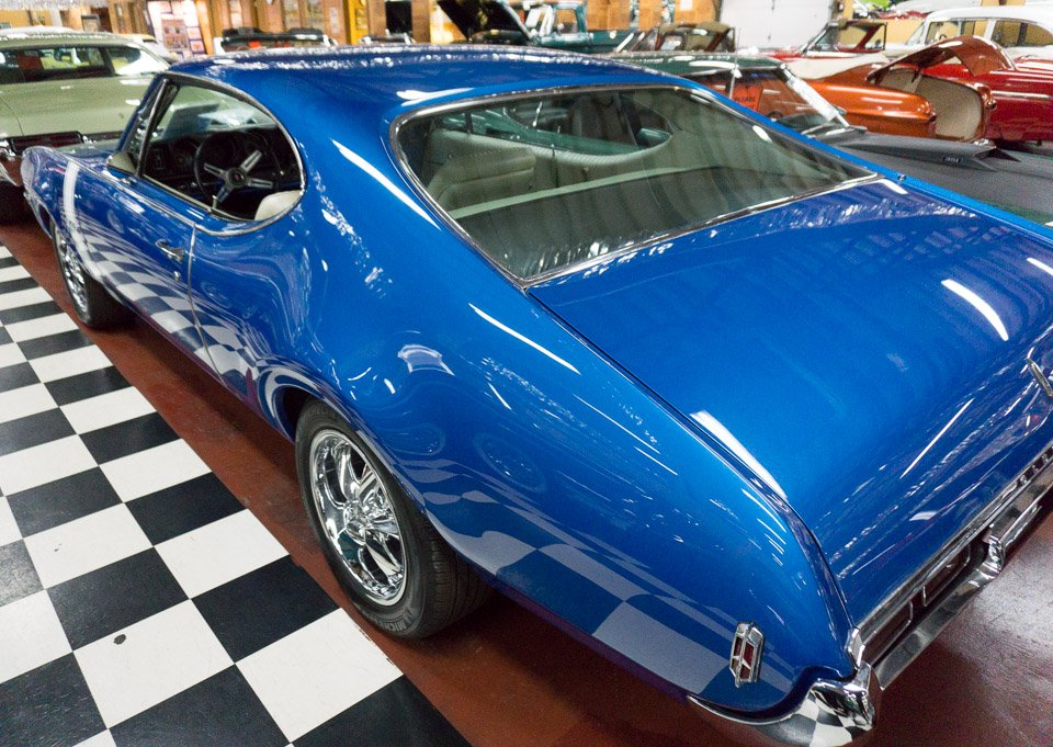 candy apple blue paint job five cool cars you can buy at the volo auto. Black Bedroom Furniture Sets. Home Design Ideas