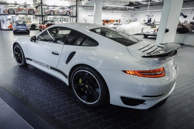 porsche_911_turbo_s_gb_edition_2