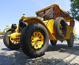 1925 Yellowstone Park Tour Bus on eBay