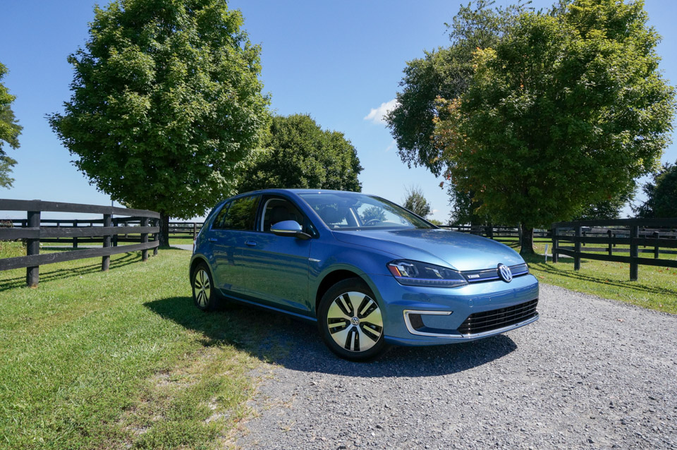 2015 Volkswagen e-Golf: Test Drive