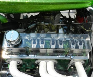 Look Inside a V8 Engine with a Clear Valve Cover