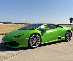 0-to-211mph in a Huracán