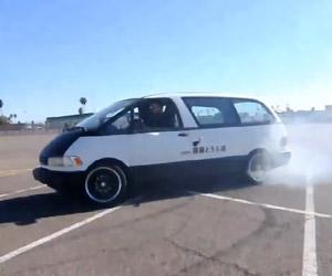 Drifting a Minivan (HOONIVAN)