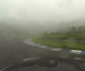 Wet Drifting Ebisu in an R32 Skyline