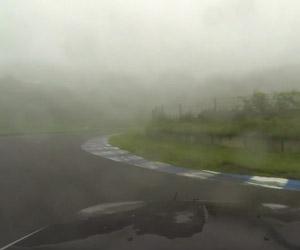 Wet Drifting Ebisu in an R32 Skyline