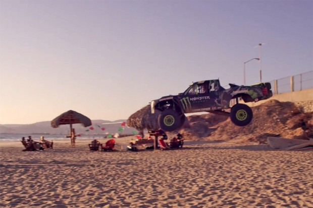 monster_energy_trophy_truck_hits_the_beach_3