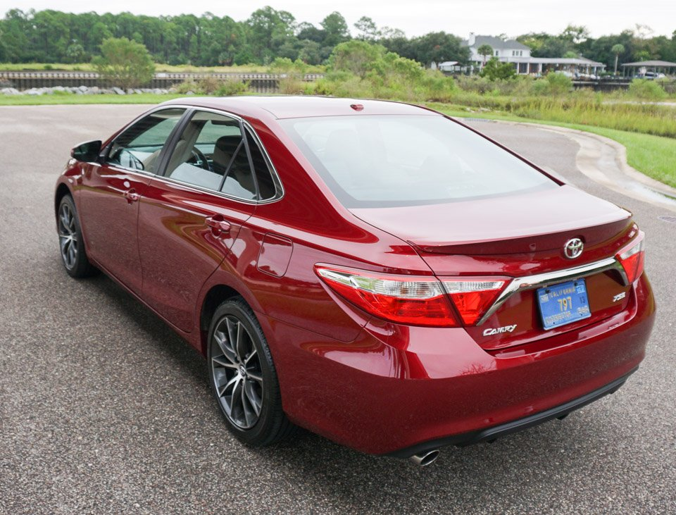 first drive review 2015 toyota camry xse v6 95 octane. Black Bedroom Furniture Sets. Home Design Ideas