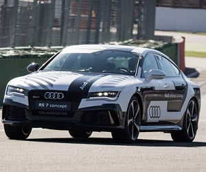 Man vs. Audi's Self-Driving RS7