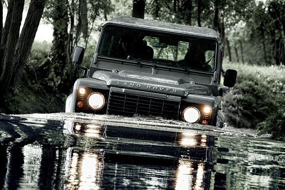 Awesome Car Pic: 2012 Land Rover Defender
