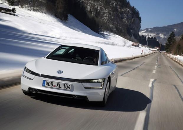 volkswagen_xl1_hybrid_goes_on_sale_4