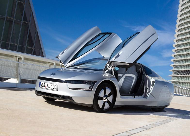 Volkswagen Delivers First XL1 Hybrid, Unveils Pricing