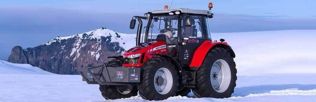 antarctica2_massey_ferguson_tractor_girl_5