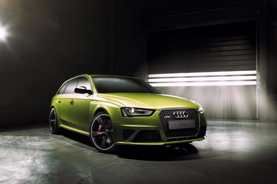 Audi Shows One-off Peridot Green RS4 Avant