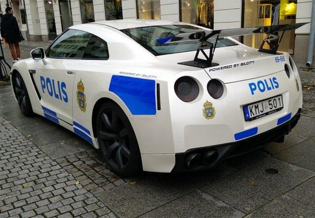 nissan_gt_r_police_sweden_1