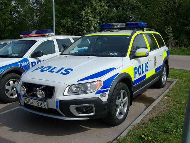 nissan_gt_r_police_sweden_3