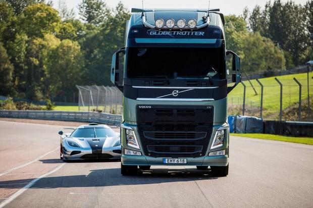 volvo_trucks_vs_koenigsegg_3