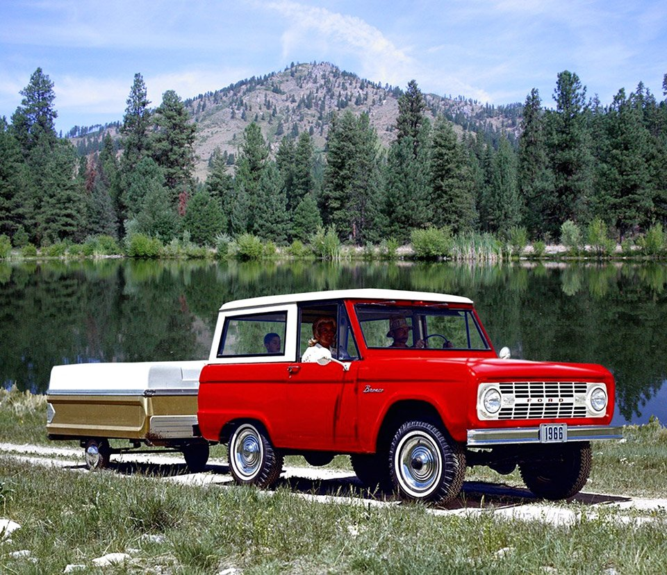 Awesome Car Pic: 1966 Ford Bronco Road Trip