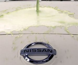 Nissan's Self-Cleaning Car Pranks Passersby