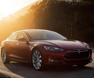 Tesla to Improve Model S P85D Top Speed with Free Update